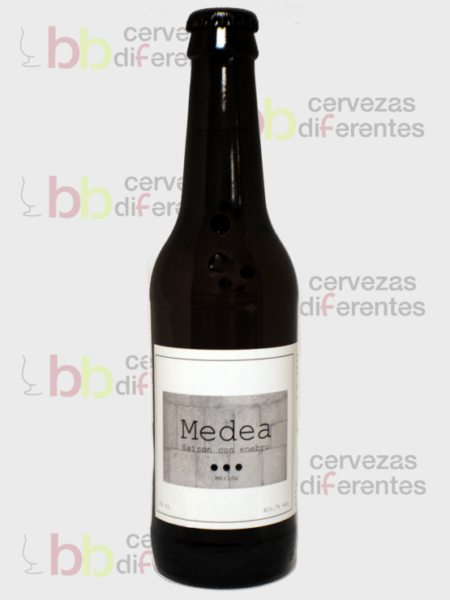 Medea 33 cl_1und_con fotocall